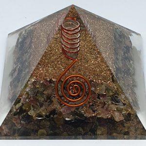 Piramide Orgonite con Tormalina